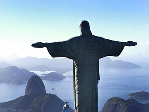 Socha Krista Spasitele v Brazílii.