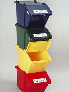 Praktické boxy na tříděný odpad, díky barevnému rozlišení kontejnerů se můžete snadno orientovat, kam s papírem, sklem či plasty.