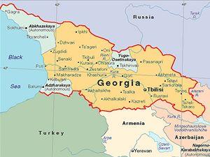 Mapa Gruzie i s autonomními oblastmi Abcházie, Jižní Osetia a Adžárie.