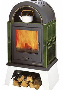 Kachlová krbová kamna s teplovodním výměníkem mohou být zapojena do otopné soustavy v rodinném domě.