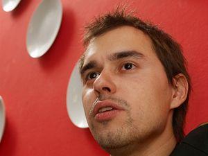 Filip Sajler vystudoval Vysokou školu ekonomickou.