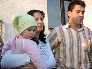 Děvčátka Verunka a Nikolka, které před rokem zaměnili zdravotníci v třebíčské porodnici, se vrátila ke svým rodičům.