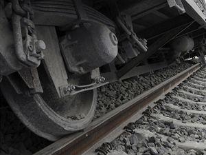 Na více než hodinu a půl museli železničáři 22. února přerušit provoz na páteřním železničním koridoru spojujícím Olomouc s Prahou kvůli vykolejenému nákladnímu vlaku ve stanici Lukavice na Šumpersku.