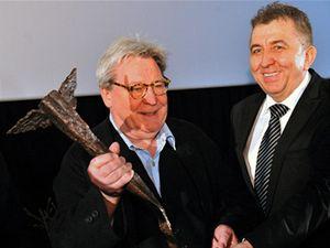 Britský režisér Alan Parker a ředitel Febiofestu Fero Fenič.