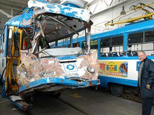Tramvaje poškozené při tragické nehodě v Ostravě prověřují drážní inspektoři