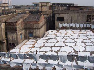 V čínské čtvrti ještě dožívají poslední tradiční koželužny.