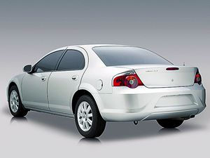 Volha Siber je vlastně faceliftem předchozího Chrysleru Sebring.