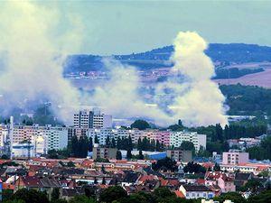 V brněnské městské části Horní Heršpice hořelo 20. srpna autovrakoviště. V plamenech se z dosud neznámých příčin ocitl bagr a podle dostupných informací také několik desítek vraků.
