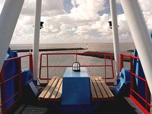 Ubytovat se můžete i v kabině přístavního jeřábu v holandském městě Harlingen