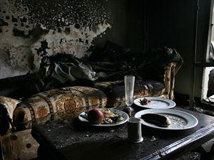 Interiér jednoho z pokojů hotelu Marriot, který byl zničen při pumovém atentátu