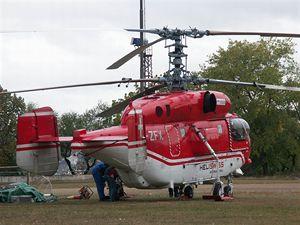 Vrtulník Kamov před startem.