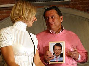 Jiří Paroubek se svoji ženou Petrou na křtu knihy jen pár hodi předtím, než na stejné místě zastřelili syna podnikatele Václava Kočky.
