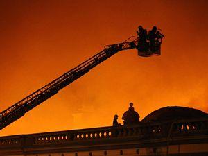 Požár zničil 16. října levé křídlo Průmyslového paláce na pražském Výstavišti.