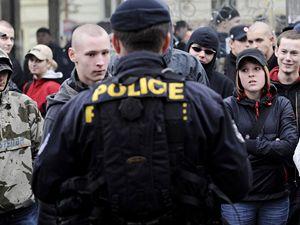 Na akci se sešlo zhruba 200 extremistů.