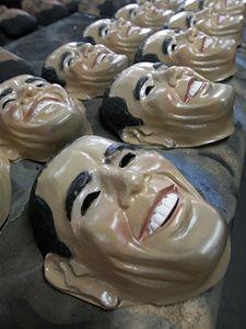 Obamova maska jde na odbyt.