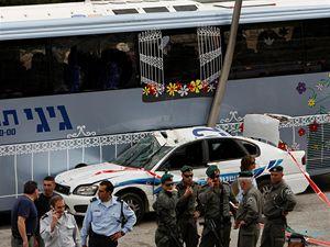 Palestinský terorista dnes opět v Jeruzalémě zaútočil buldozerem.
