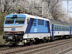 Takto budou v nových barvách vypadat lokomotivy a přípojné vagóny.