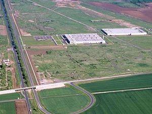 Závod společnosti Hitachi v průmyslové zóně Triangle u Žatce