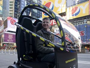 Nové městské vozítko firmy Segway představila společnost v ulicích New Yorku.