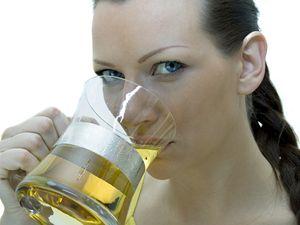 Ženy rády pijí pivo.