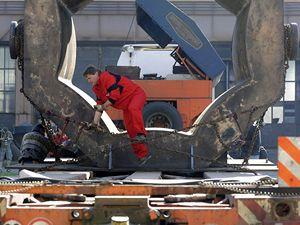 Ze spole�nosti ArcelorMittal Ostrava se za�al p�ev�et hmotnostn� nejv�t�� odlitek, jak� za svou pades�tiletou existenci odlila zdej�� sl�v�rna.