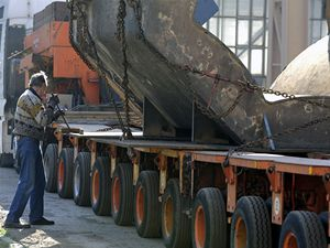 Ze společnosti ArcelorMittal Ostrava se začal převážet hmotnostně největší odlitek, jaký za svou padesátiletou existenci odlila zdejší slévárna.