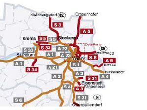 Mapa dalniční sítě okolo Vídně včetně dálnice A5 k českým hranicím.