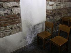 Restaurace U českého lva po výbuchu granátu