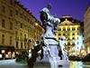 1.Vídeň (umístění 2008 2.); HDP: 325 mld. dolarů; Počet obyvatel města/země: 1,664,146 / 8,210,281; Délka života 79,5 let
