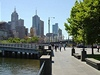 18. Melbourne (umístění 2008: 17.); Počet obyvatel města/země:  3,900,000 / 21,262,641  ; Délka života: 81,6 let; HDP: 800,5 mld. Dolarů