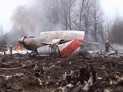 Trosky letadla Tupolev Tu-154, který havaroval na letišti ve Smolensku
