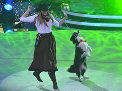 Alena Smolíková a její talentovaná fenka Keysi vystoupily v závěrečném finálovém kole soutěže Talentmania
