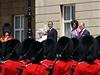 Přehlídka čestné stráže před Buckinghamským palácem