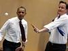 Barack Obama si s Davidem Cameronem zahrál stolní tenis