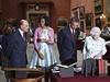 Barack Obama s manželkou si prohlížejí vzácné sbírky Buckinghamského paláce