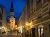 Michalská brána otevírá cestu k p�vabnému Starému M�stu, které oproti Praze nepat�í turist�m, ale místním.  | na serveru Lidovky.cz | aktu�ln� zpr�vy