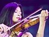Na Kadyrově oslavě zahrála i slavná houslistka Vanessa Mae.