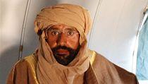 Sajf Isl�m byl po dopaden� p�evezen letecky do m�sta Zint�n