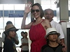 Angelina Jolie se sv&#253;mi adoptovan&#253;mi syny z Vietnamu a Kambode | na serveru Lidovky.cz | aktuln zprvy