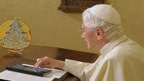Pape� pou�ívá iPad. | na serveru Lidovky.cz | aktu�ln� zpr�vy
