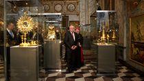 Svatovítský poklad se po 21 letech vrátil do kaple svatého Kříže na Pražském hradě.