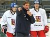 Zleva �to�n�k Jan Kol��. tren�r Alois Hadamczik a obr�nce Jakub Krej��k na srazu �esk� hokejov� reprezentace p�ed �v�dsk�mi hrami, t�et�m turnajem seri�lu Euro Hockey Tour