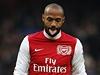 Slavn� fotbalista Thierry Henry si hostov�n� v lond�nsk�m Arsenalu z�ejm� neprodlou�� a vr�t� se do New Yorku