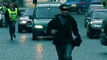 Roman Týc krade policistům čepice