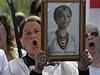 Lidé protestují proti v�zn�ní Julije Tymo�enkové. | na serveru Lidovky.cz | aktu�ln� zpr�vy