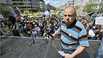 P�edseda �MKOS Jaroslav Zavadil na protivládní demonstraci. | na serveru Lidovky.cz | aktu�ln� zpr�vy