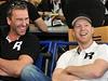 Petr Nedv�d (vlevo) a Ale� Hemsk� na pra�sk�m leti�ti, odkud �esk� hokejov� reprezentace 3. kv�tna odl�tla na mistrovstv� sv�ta ve �v�dsku a Finsku.