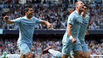 Pablo Zabaleta (uprost�ed) slaví gól, jeho Manchester City titul.  | na serveru Lidovky.cz | aktu�ln� zpr�vy