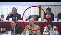 Spící Miroslav Ransdorf | na serveru Lidovky.cz | aktu�ln� zpr�vy
