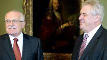 Prezident Václav Klaus s expremiérem a lídrem Strany práv ob�an� Milo�em Zemanem (vpravo).  | na serveru Lidovky.cz | aktu�ln� zpr�vy